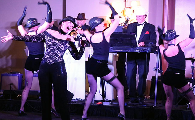 Cabaret performers in a 20s theme show