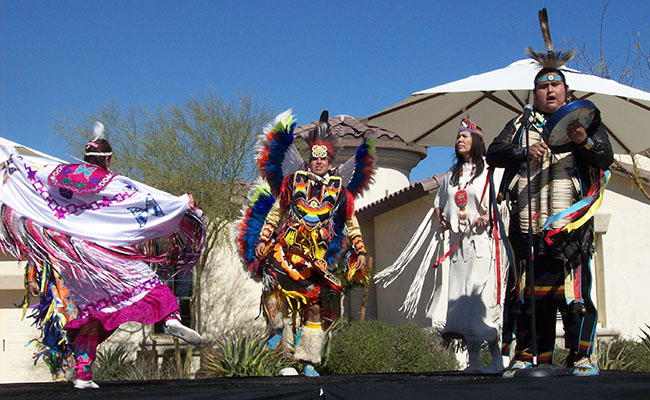 picture of Native American dancers