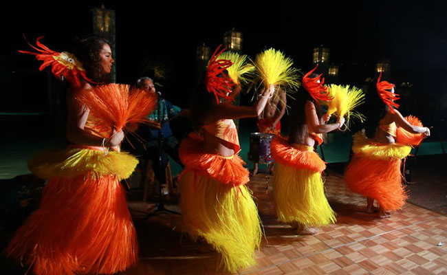 four female hula dancers