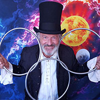 photo of magician for virtual events