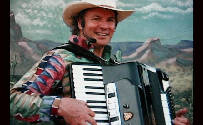 solo cowboy musician